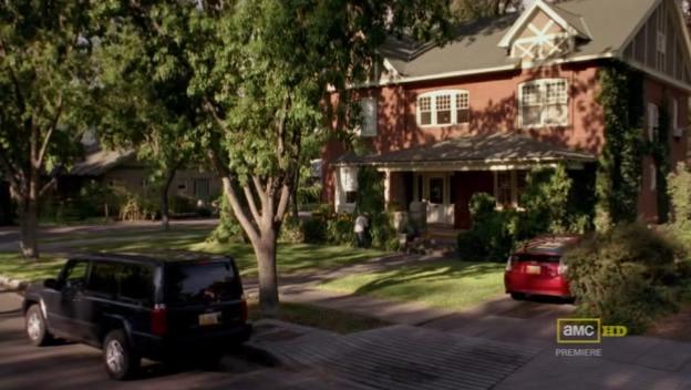 2x02_-_Pinkman_House